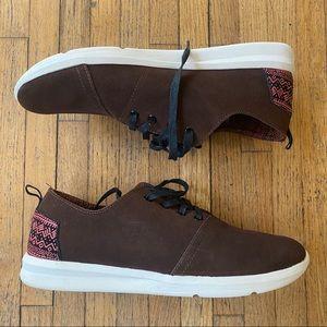 Toms Viaje Brown Shoes Suede Tribal Print Red Trim